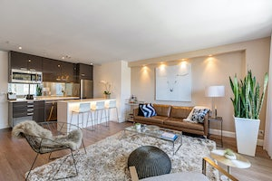 Home for sale Hip Contemporary Pied-à-Terre - Recently Renovated