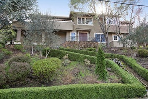 Home for sale Inviting Bi-Level Home in Sleepy Hollow